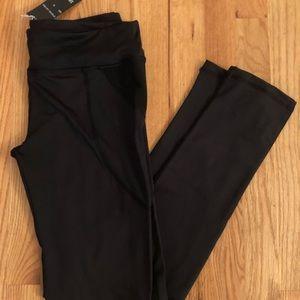 Pants - NWT!! LA Society black workout legging